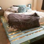 Фото 50: Кровать с подсветкой в поддонах