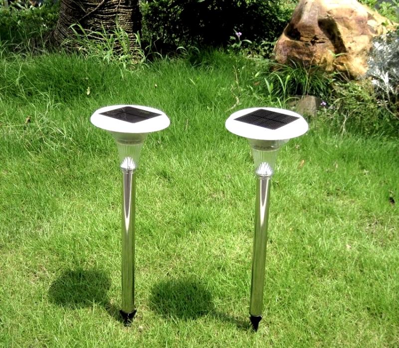 Светильники на солнечных батареях для сада