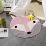 Фото 109: Вязаный коврик в детской