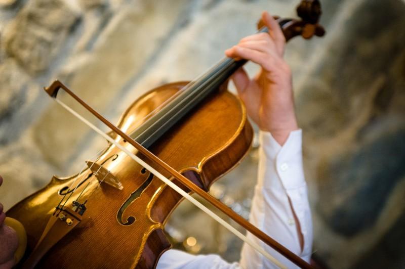 Мелодия скрипки на свадьбе