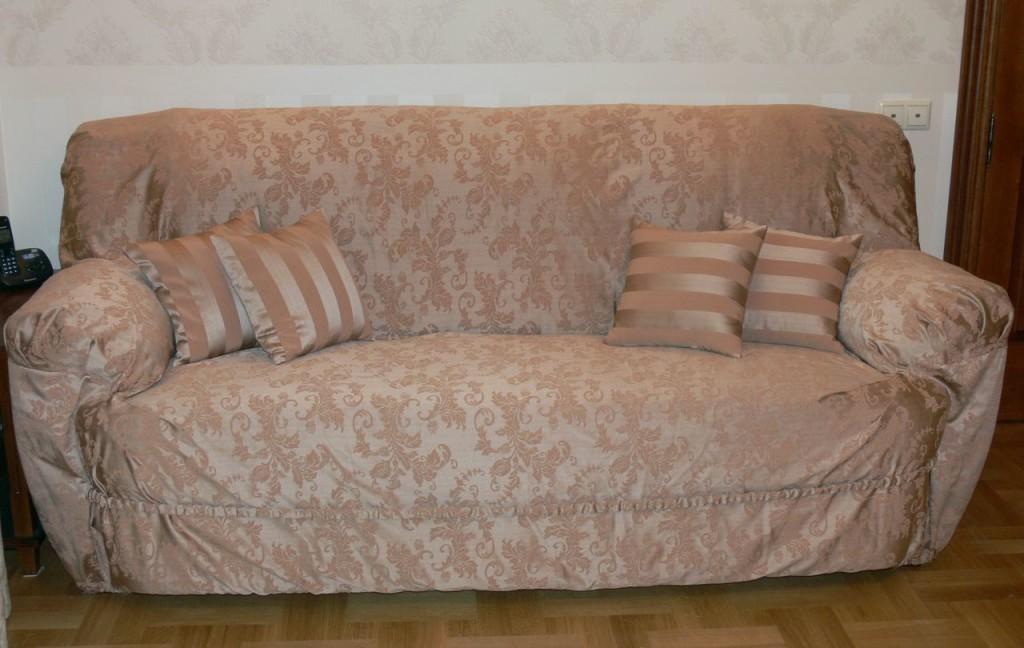 Еврочехол на диване