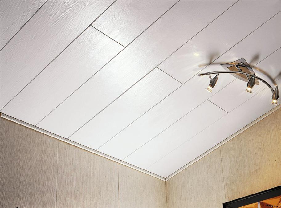 Надежный потолок из панелей ПВХ