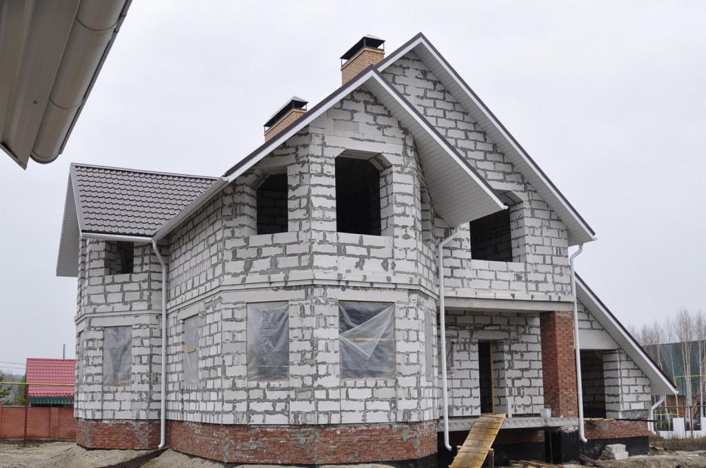 Прочный дом из газобетона