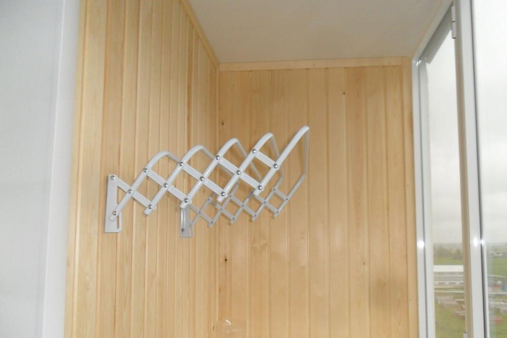 Сушилка для белья на стену балкона