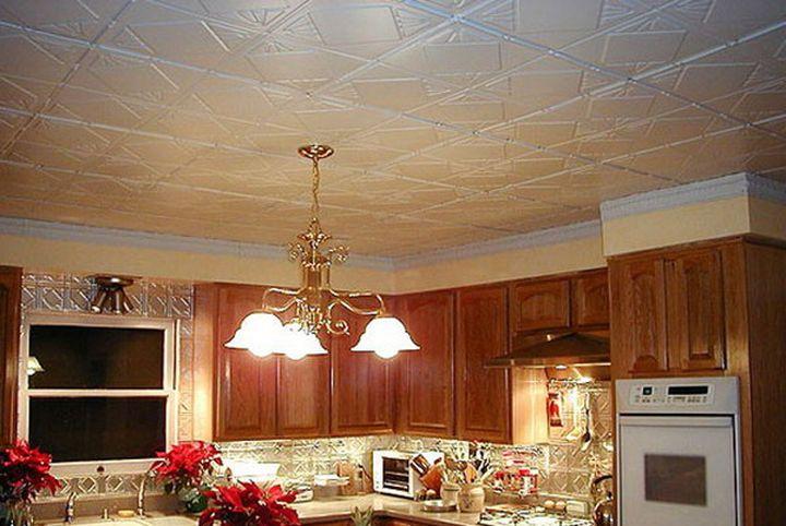 ПВХ плитка для кухонного потолка