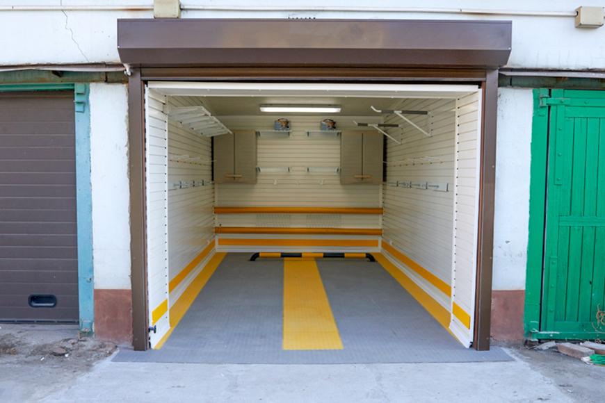 Обычный гараж