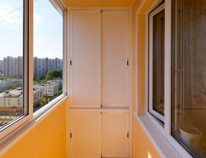Раздвижные двери для шкафа на балкон