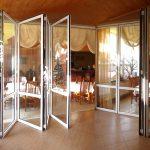 Фото 46: Стеклянные двери–гармошка