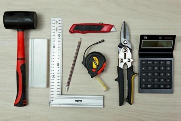 Фото 9: Инструменты для укладки винилового ламината
