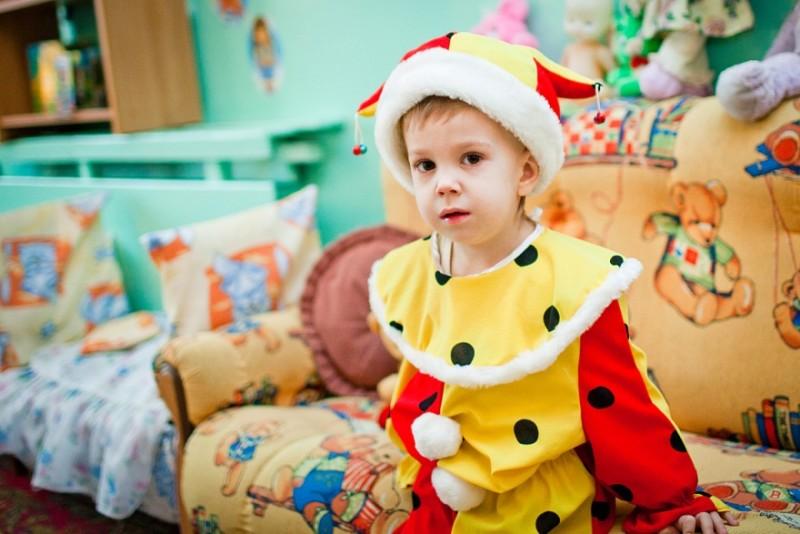 Новогодний костюм петрушки для мальчика