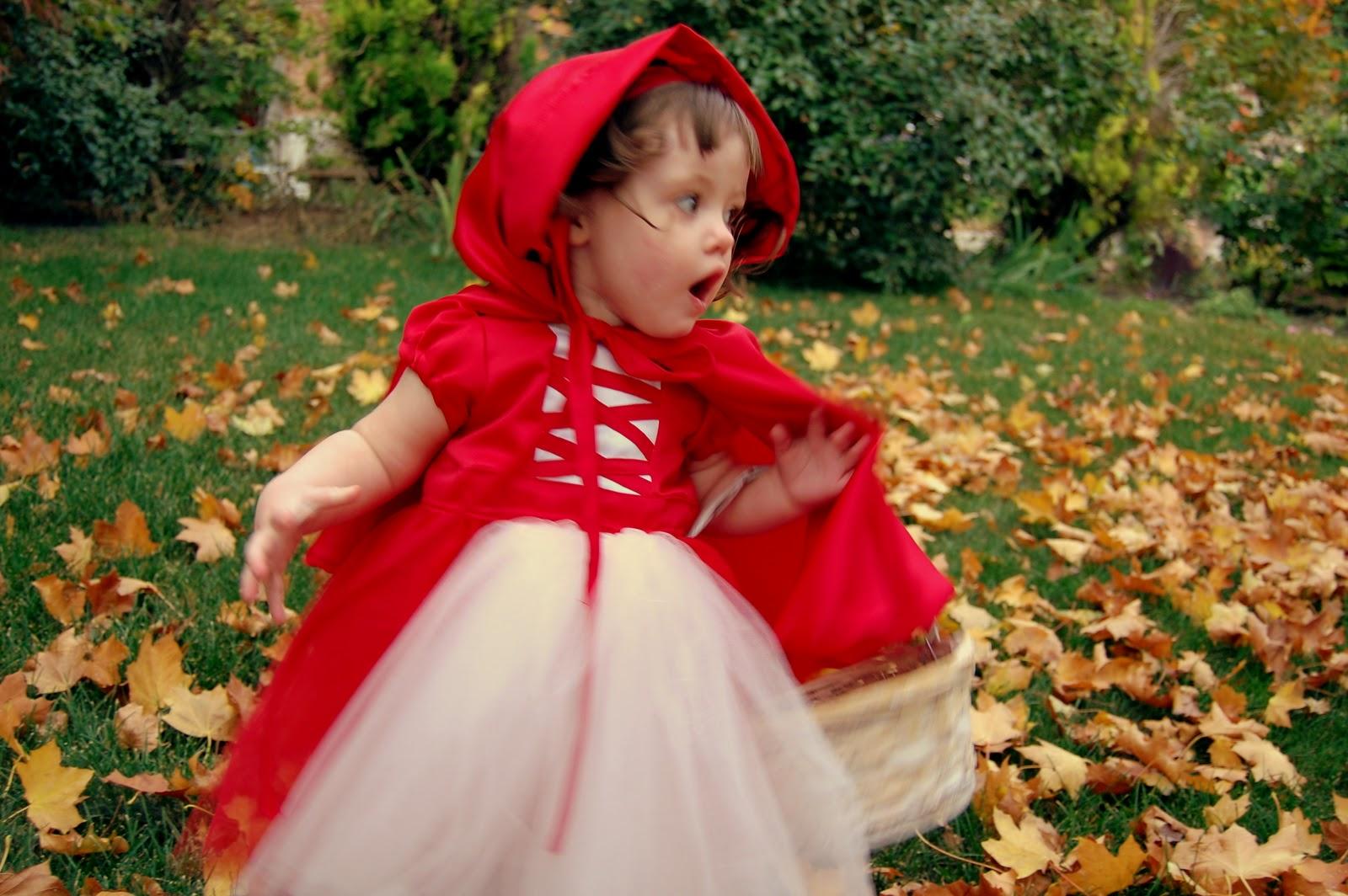 Новогодний костюм красной шапочки для девочки