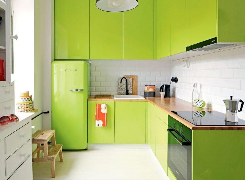 Маленькая кухня без ручек