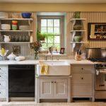 Фото 74: Маленькая кухня с открытыми полками