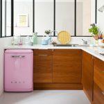 Фото 79: Маленький холодильник на кухне