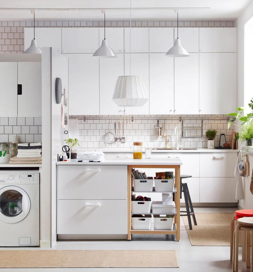 Красивый кухонный гарнитур для маленький кухни