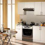Фото 31: Маленький пристенный кухонный гарнитур