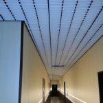 Фото 49: Потолок грильято в коридоре