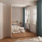 Фото 59: Шкаф-купе зеркальный в спальне
