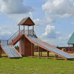 Фото 48: Детская площадка около пруда
