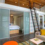 Фото 56: Зонирование спальни раздвижными дверьми