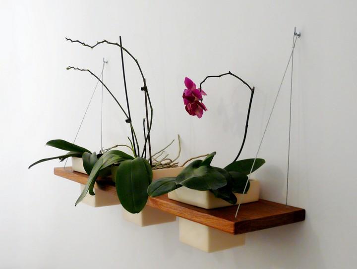 Фото 11: Полка для цветов своими руками (5)