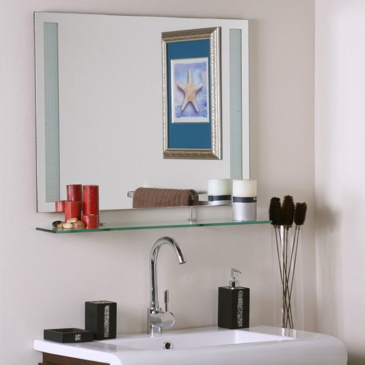 зеркало в ванную комнату с полкой