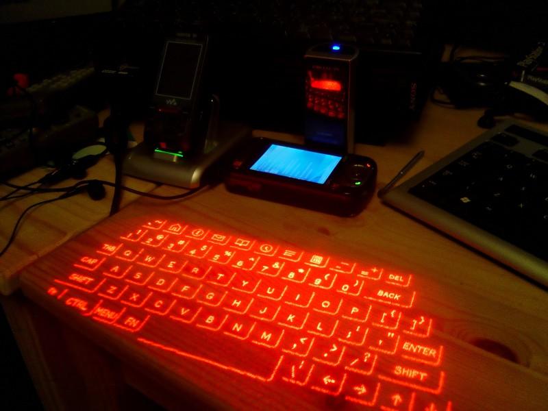 Фото 29: Проекционная клавиатура