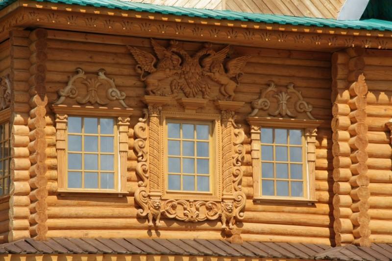 Фото 30: Фигурные деревянные наличники