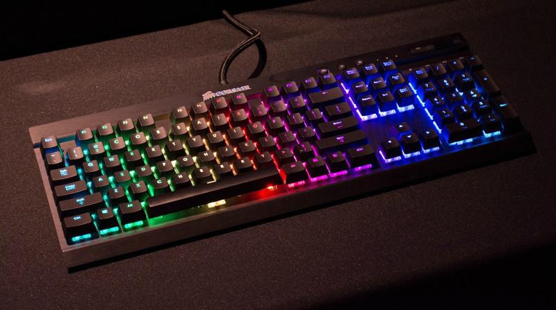 Фото 17: Цветная стационарная клавиатура