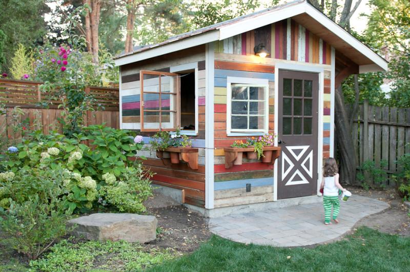 Фото 17: Садовый хозблок разноцветный