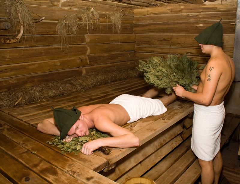 Фото 29: Широкий полок для бани