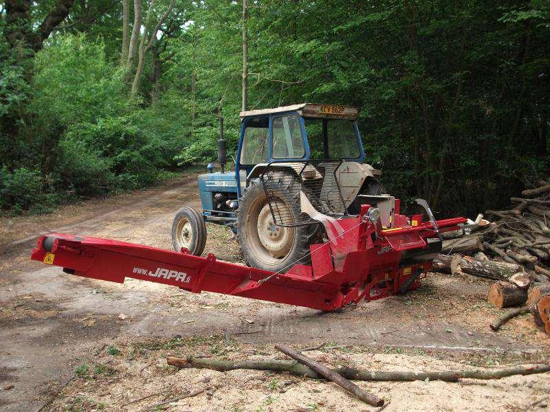 Фото 28: Тракторный дровокол