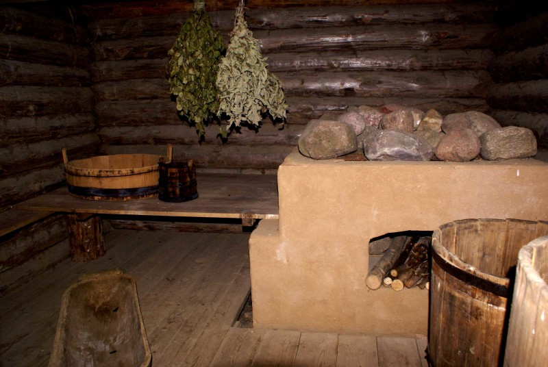 Фото 31: Полок низкий для русской бани