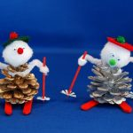 Фото 29: Поделки из шишек снеговички