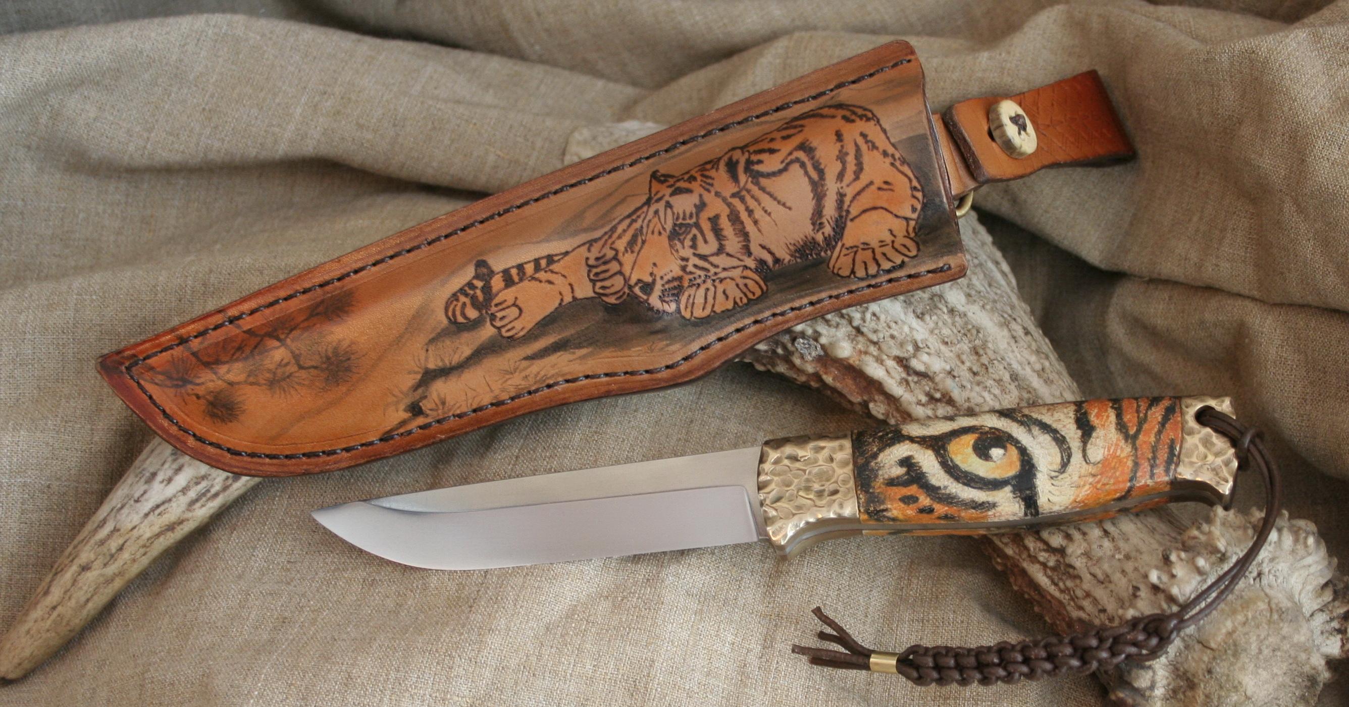Нож ручной работы в чехле