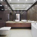 Фото 10: Интерьер ванной комнаты совмещенной с туалетом