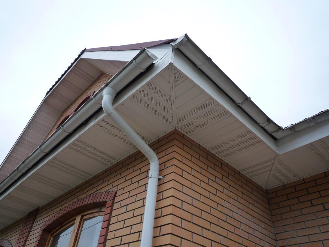 Водостоки для крыш пластиковые