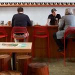 Фото 8: Рамен-бар, соединияющий современный дизайн с японской уличной культурой