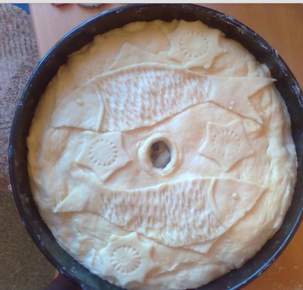 Украшение пирога фигурками