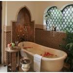 Фото 33: Отделка ванной комнаты нишами арочного типа