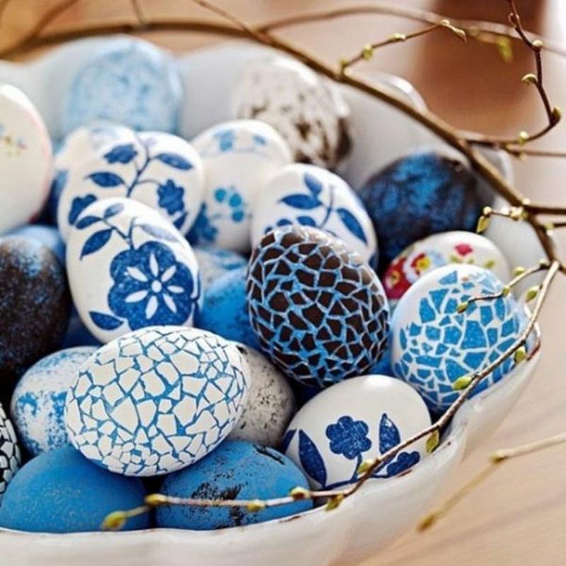 Декупаж яиц с мозаикой яичной скорлупой