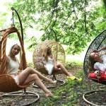 Фото 15: Подвесные кресла из ротанга