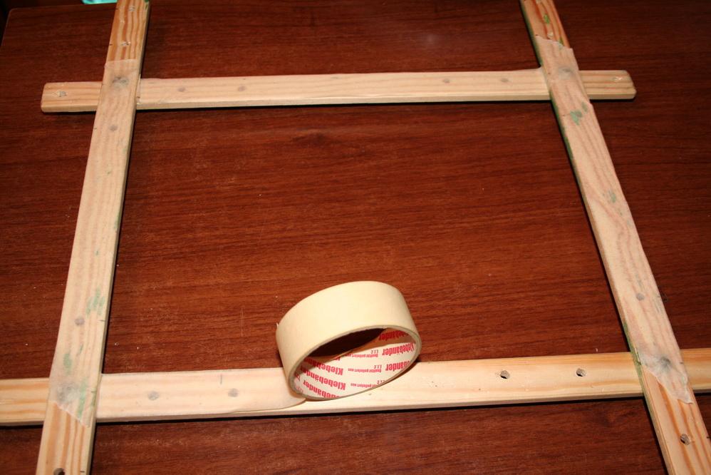 Деревянная рамка из реек