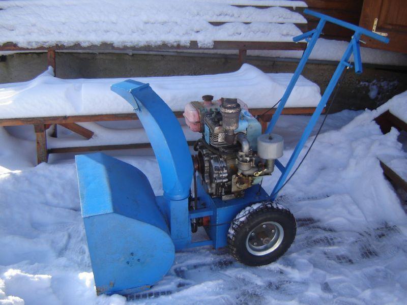 Снегоуборщик из бензопилы