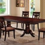 Фото 8: Деревянные стулья и стол