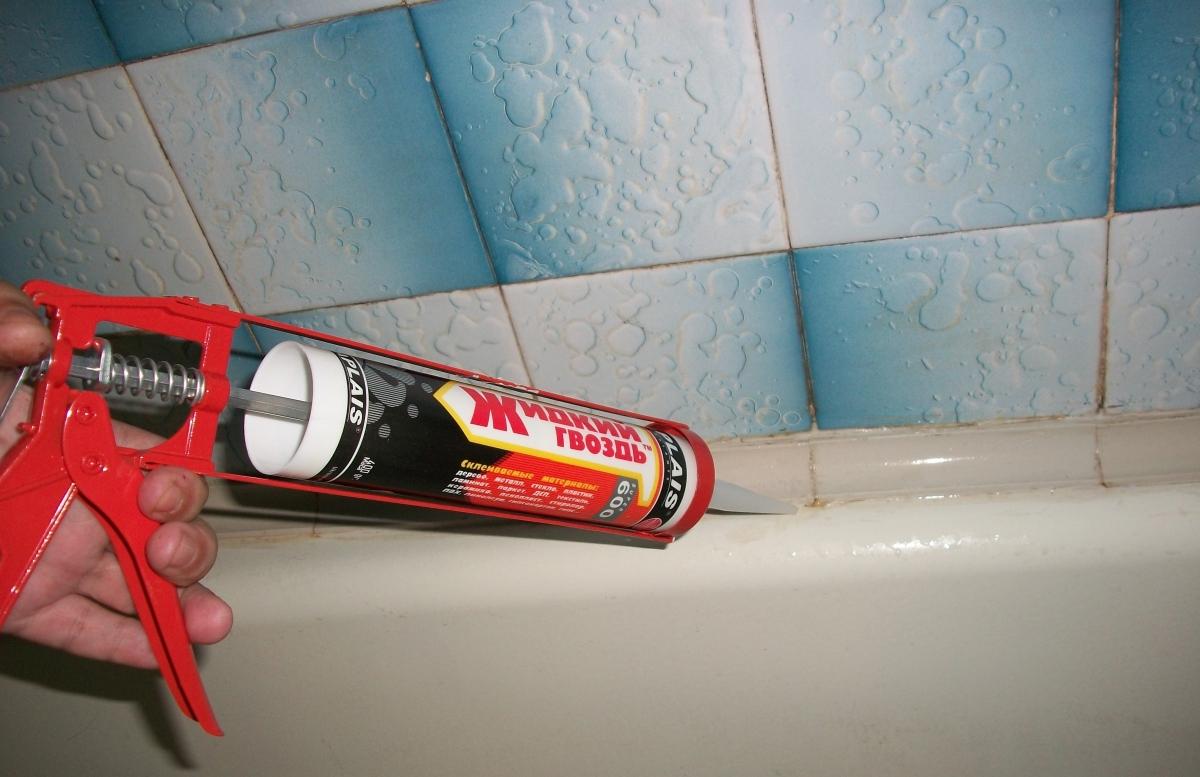 Жидкие гвозди для ванной
