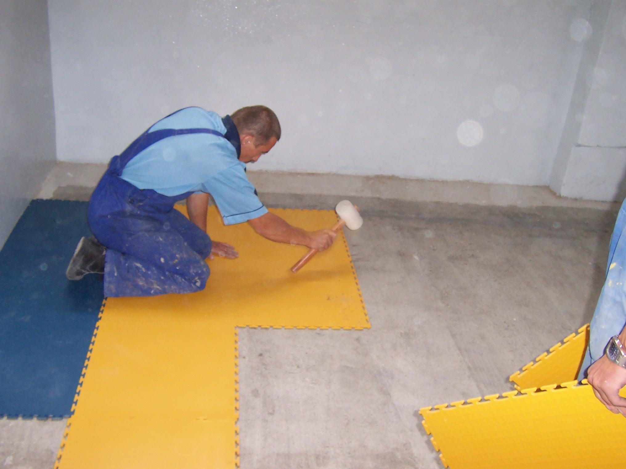 Монтаж пластиковой плитки