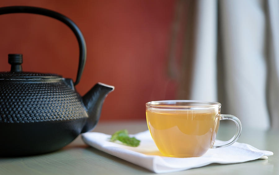 Заварочный чайник из металла