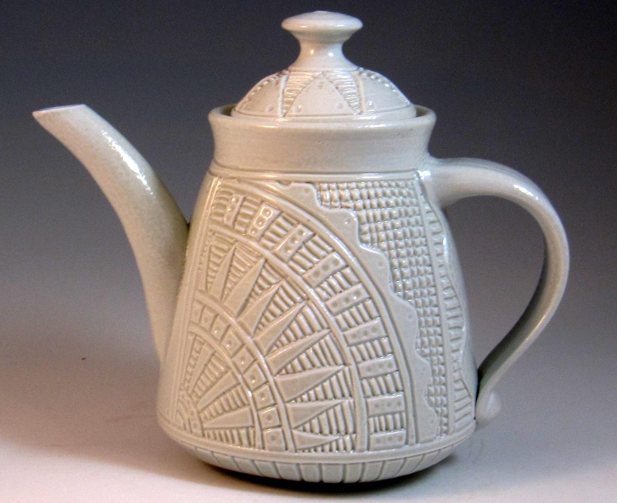 Заварочный чайник из фарфора
