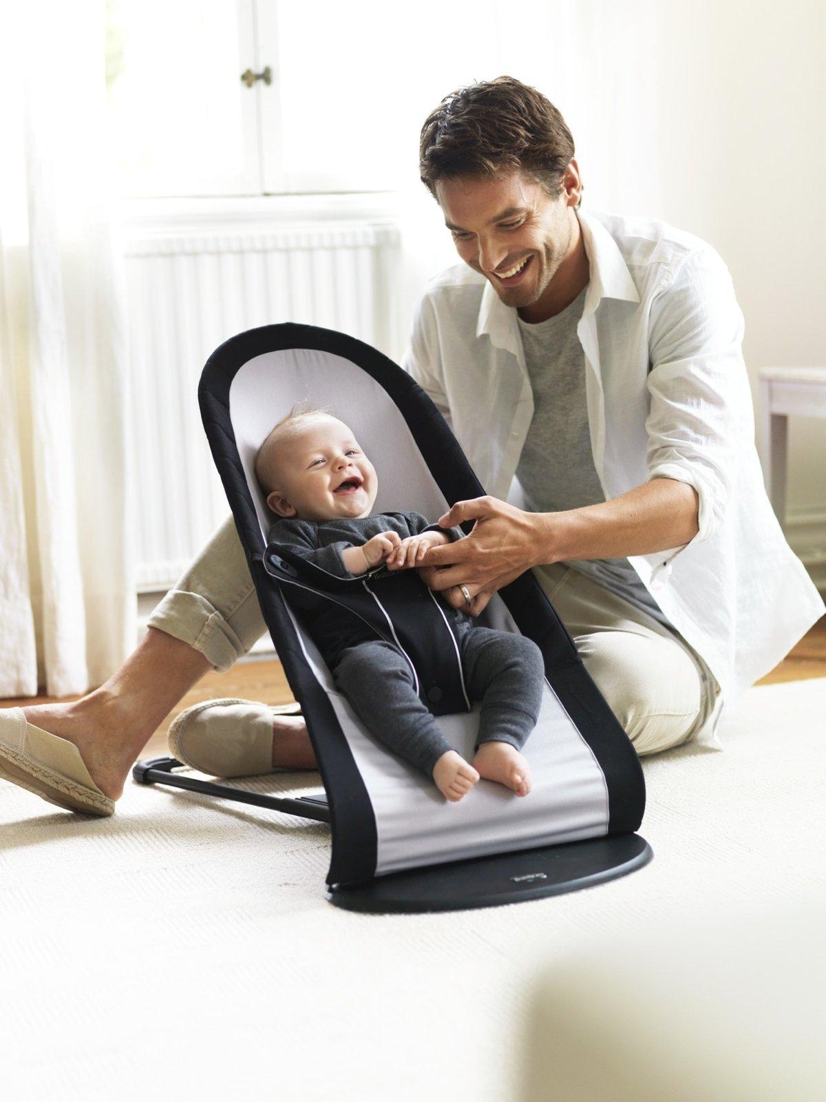 Качалка и малыш с папой